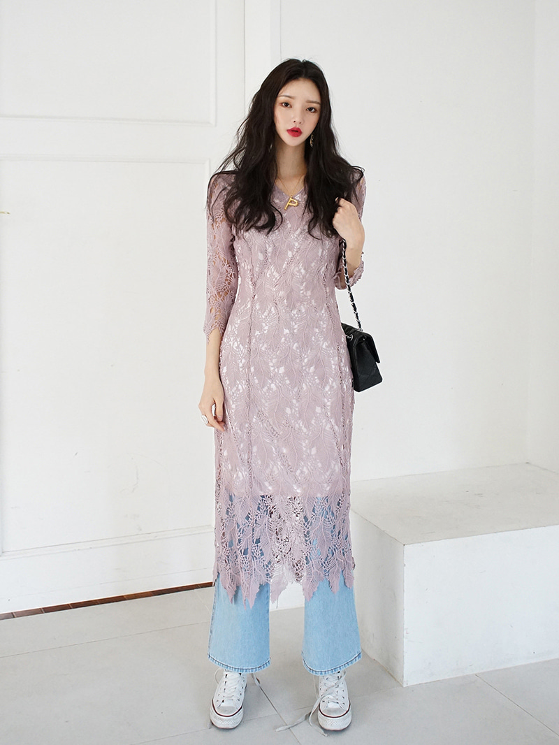 Long lace V-neck dress -ops